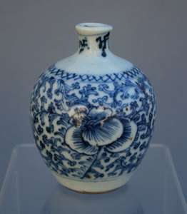 ANTIQUE CHINESE PORCELAIN BLUE & WHITE INKWELL/ FRENCH FLEA MARKET