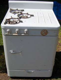 General Chef L K Refrigerator & 3 Burner Gas Stove 27