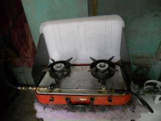 VINTAGE HUMPHREY PROPANE CAMP STOVE:INCLUDES LANTERN