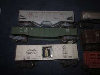 LIONEL TRAINS POSTWAR ROLLING STOCK FREIGHT CAR LOT