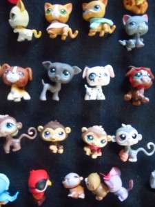 Huge Littlest Pet Shop lot 37 animals 2 Fuzzy/flocked beds chairs 69