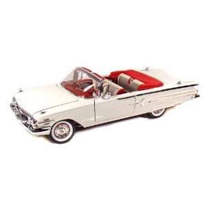 1960 Chevy Impala Convertible 1/18 White: Toys & Games