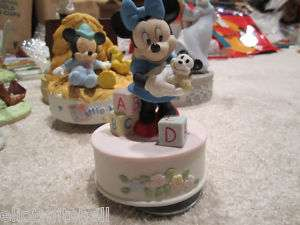 Disney Schmid Minnie Mouse Porcelain Music Box * CUTE *