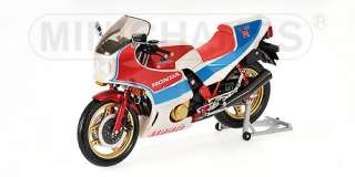 Minichamps 1982 Honda CBR1100R Red White & Blue