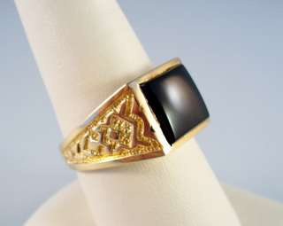 14K GENTS YELLOW GOLD ONYX RING