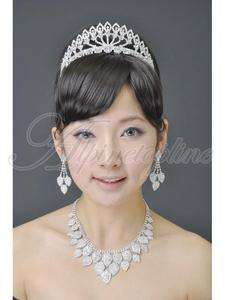 Luxuriant Womens Bridal Tiara Rhinestone Crown Hair Comb Pins Wedding