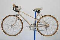 Vintage Huffy Aerowind Ladies Road Bicycle 18 bike USA Made Shimano