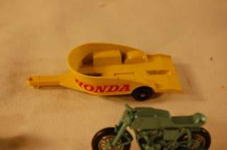 LESNEY TOY MOTORCYCLE & SIDECAR HARLEY DAVIDSON TRIUMPH T110